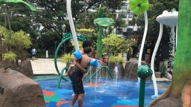 シャングリララサセントーサで水遊び
